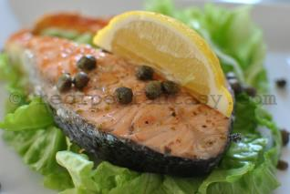 Grilled salmon with oregano, lemon and capers - recipesfantasy.com