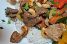 Stir fry beef with cashew nuts and vegetables